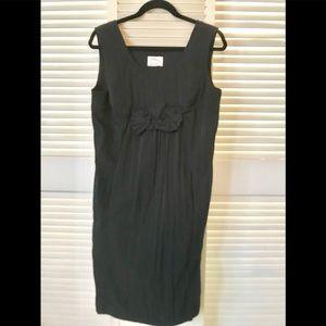 Black dress w/pockets.